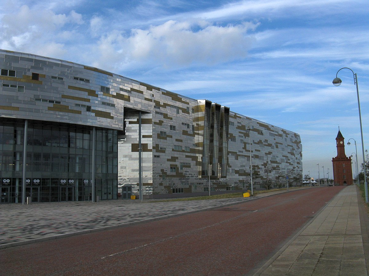 Middlesbrough_College_north_wing
